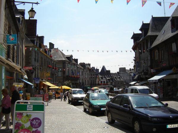 Dol-de-Bretagne : Grand rue des Stuarts